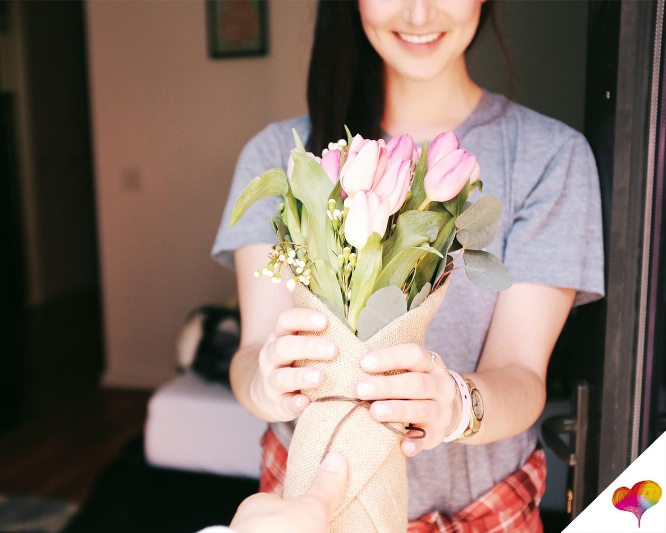 Wie zeigen Männer Interesse? Die 5 Sprachen der Liebe
